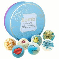 Bomb Cosmetics - Head in the Clouds Gift Pack - Gift set with natural bath cosmetics - Head in the clouds