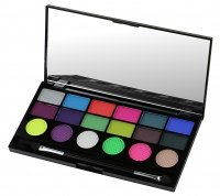 MAKEUP REVOLUTION - Colour Chaos 18 Exclusive Eyeshadow Palette