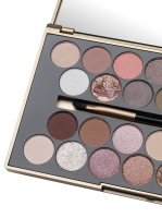 MAKEUP REVOLUTION - FORTUNE FAVOURS THE BRAVE - Palette of 30 eyeshadows