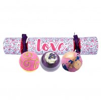 Bomb Cosmetics - LOVE Cracker Gift Pack - Candy shaped gift set - LOVE